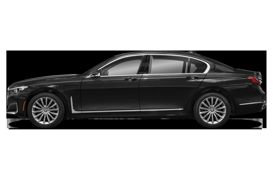2021 BMW 745e exterior side view