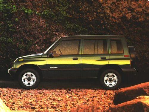 1992–1997 Tracker Generation, 1997 Geo Tracker model shown