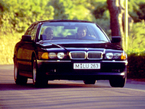 1999 BMW 750 Overview