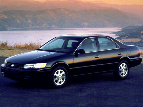 1999 Toyota Camry Overview