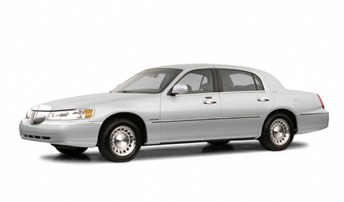 2002 Lincoln Town Car For Every Turn There S Cars Com