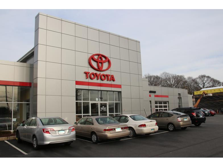Girard Toyota BMW  New London CT  Carscom