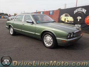 1999 Jaguar XJ8 Vanden Plas