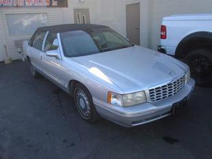 1999 Cadillac DeVille Base