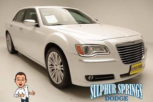 2012 Chrysler 300C Luxury Series