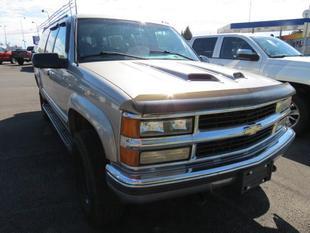 1999 Chevrolet Suburban K2500 LT