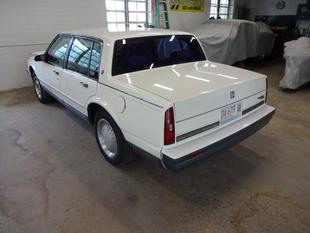 1989 Oldsmobile Ninety-Eight Touring Sedan