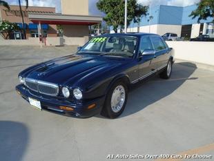 2000 Jaguar XJ8 Vanden Plas