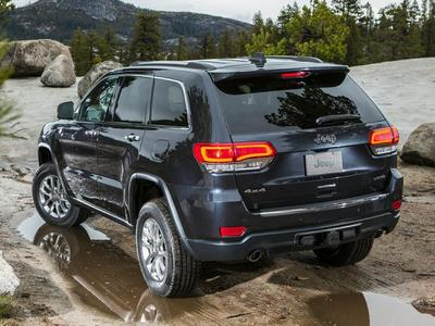 New 2017 Jeep Grand Cherokee Laredo