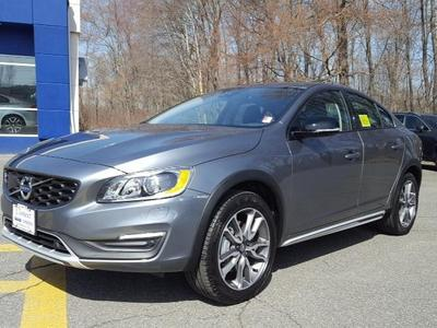 New 2017 Volvo S60 Cross Country T5