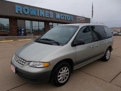 2000 Plymouth Voyager SE