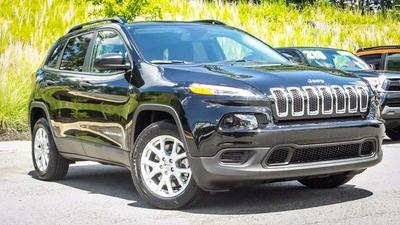 New 2017 Jeep Cherokee Sport