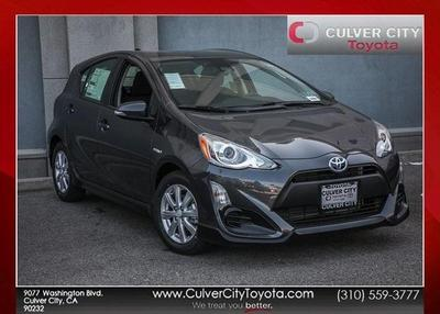 New 2017 Toyota Prius c Three