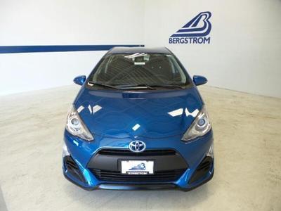 New 2017 Toyota Prius c Three