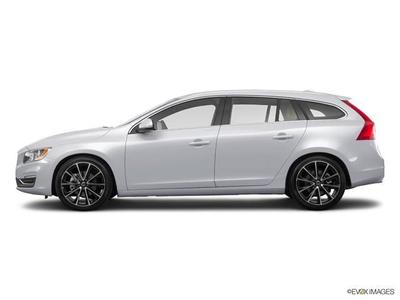 New 2017 Volvo V60 T5 Premier