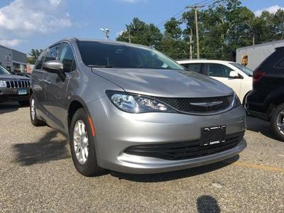 New 2017 Chrysler Pacifica LX
