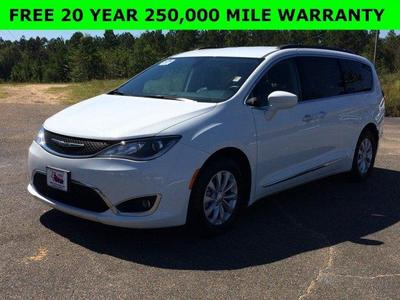 Used 2017 Chrysler Pacifica Touring L