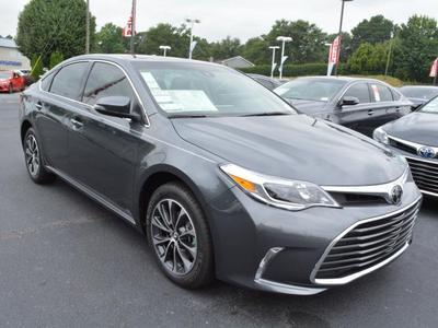 New 2018 Toyota Avalon XLE