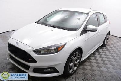 New 2017 Ford Focus ST Base