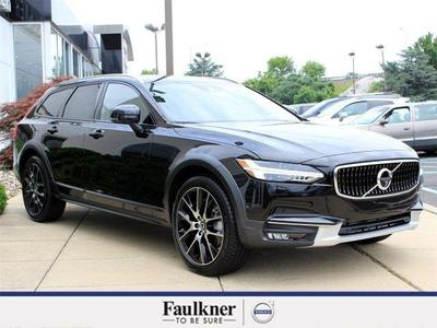 New 2017 Volvo V90 Cross Country T6