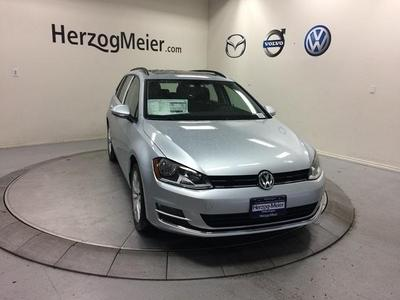 New 2017 Volkswagen Golf SportWagen TSI SE
