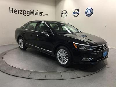 New 2017 Volkswagen Passat 1.8T SE