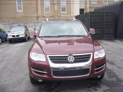 Used 2010 Volkswagen Touareg VR6