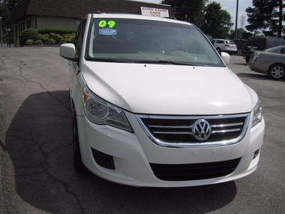 Used 2009 Volkswagen Routan SE