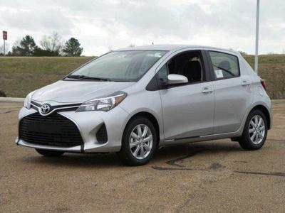 New 2017 Toyota Yaris LE