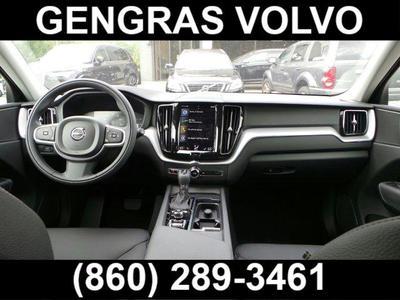 New 2018 Volvo XC60 Momentum