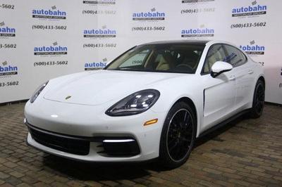 New 2017 Porsche Panamera Base