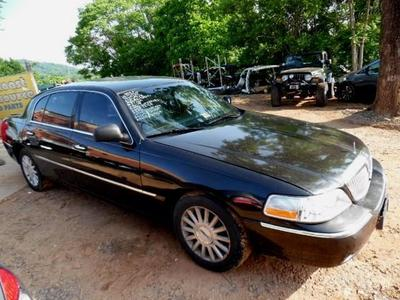 Used 2003 Lincoln Town Car Executive L