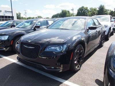 New 2016 Chrysler 300 S
