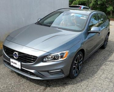 New 2017 Volvo V60 Dynamic