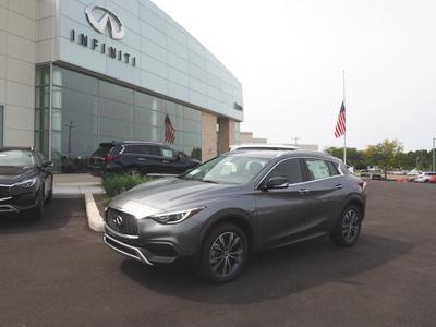 New 2018 INFINITI QX30 Luxury
