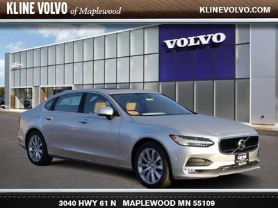 New 2018 Volvo S90 T6 Momentum