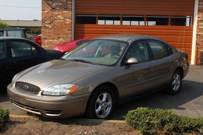 Used 2004 Ford Taurus SE