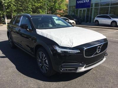 New 2017 Volvo V90 Cross Country T6