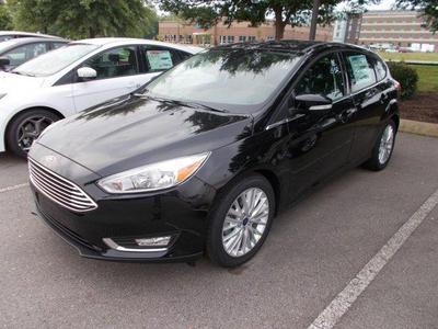 New 2017 Ford Focus Titanium