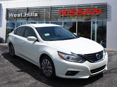 New 2017 Nissan Altima 2.5 SV