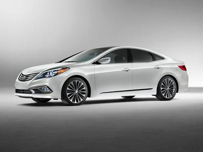 New 2017 Hyundai Azera Base