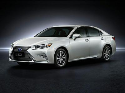 New 2017 Lexus ES 300h Base