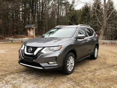 New 2017 Nissan Rogue SV