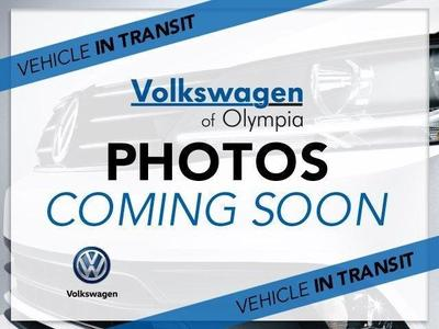 New 2017 Volkswagen Golf TSI SE 4-Door