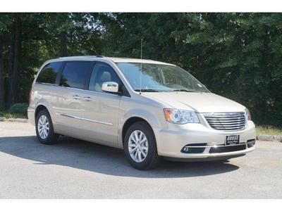 New 2016 Chrysler Town & Country Limited Platinum
