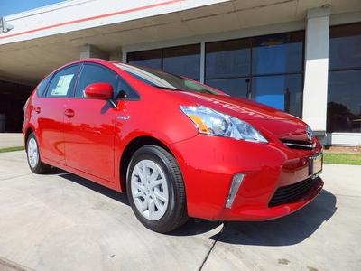 New 2013 Toyota Prius v Two