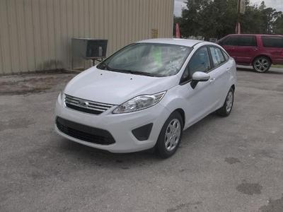 Used 2013 Ford Fiesta SE