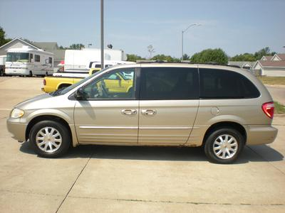 Used 2002 Chrysler Town & Country LXi