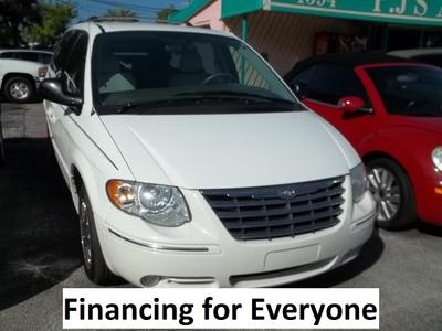 Used 2006 Chrysler Town & Country Limited