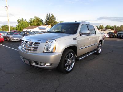 Used 2010 Cadillac Escalade EXT Luxury